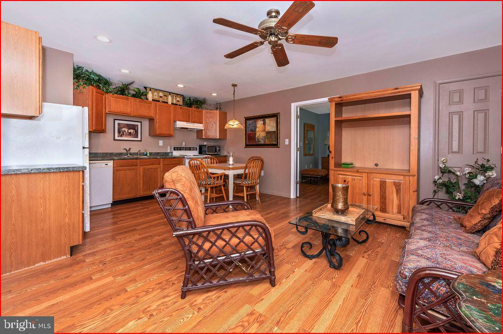 Interior tenant house - 4800 BALLENGER CREEK PIKE, FREDERICK