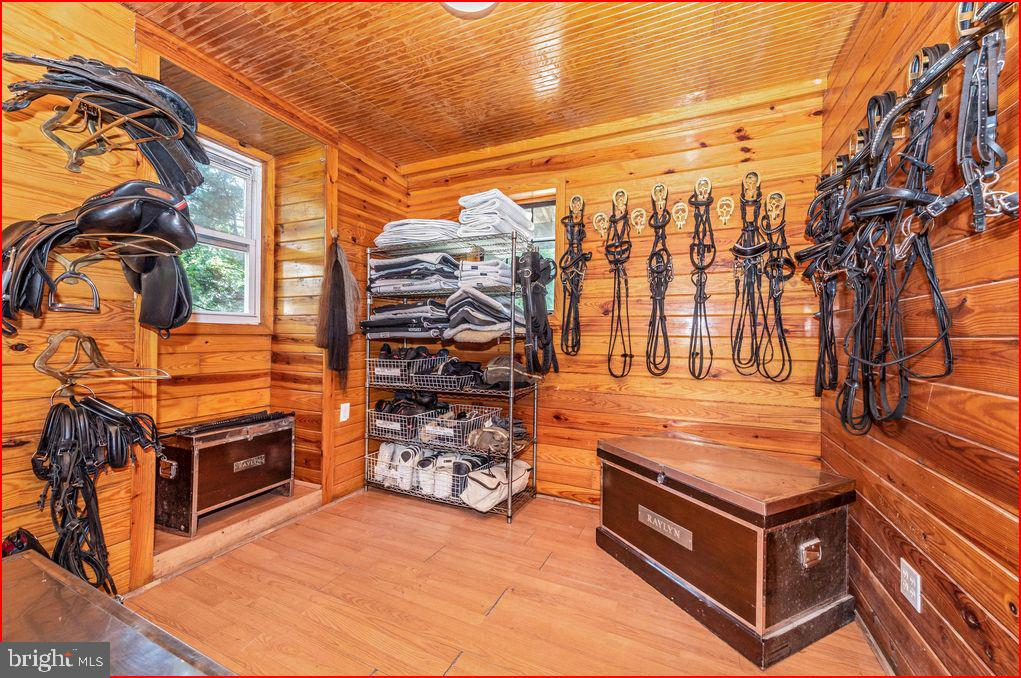 Tack room - 4800 BALLENGER CREEK PIKE, FREDERICK