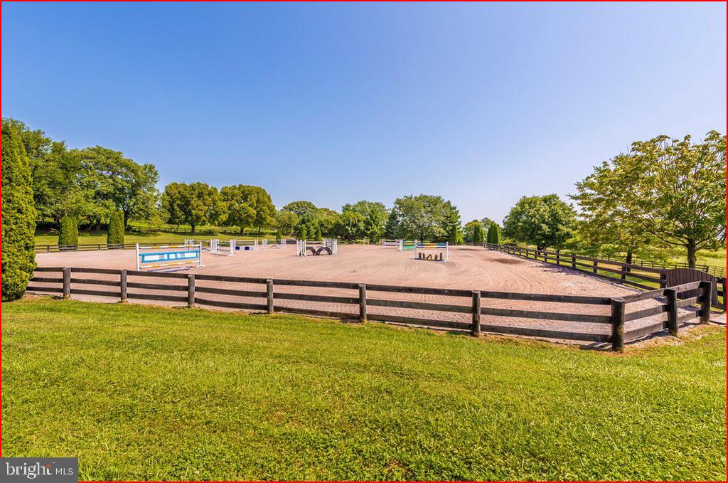 Riding Ring - 4800 BALLENGER CREEK PIKE, FREDERICK