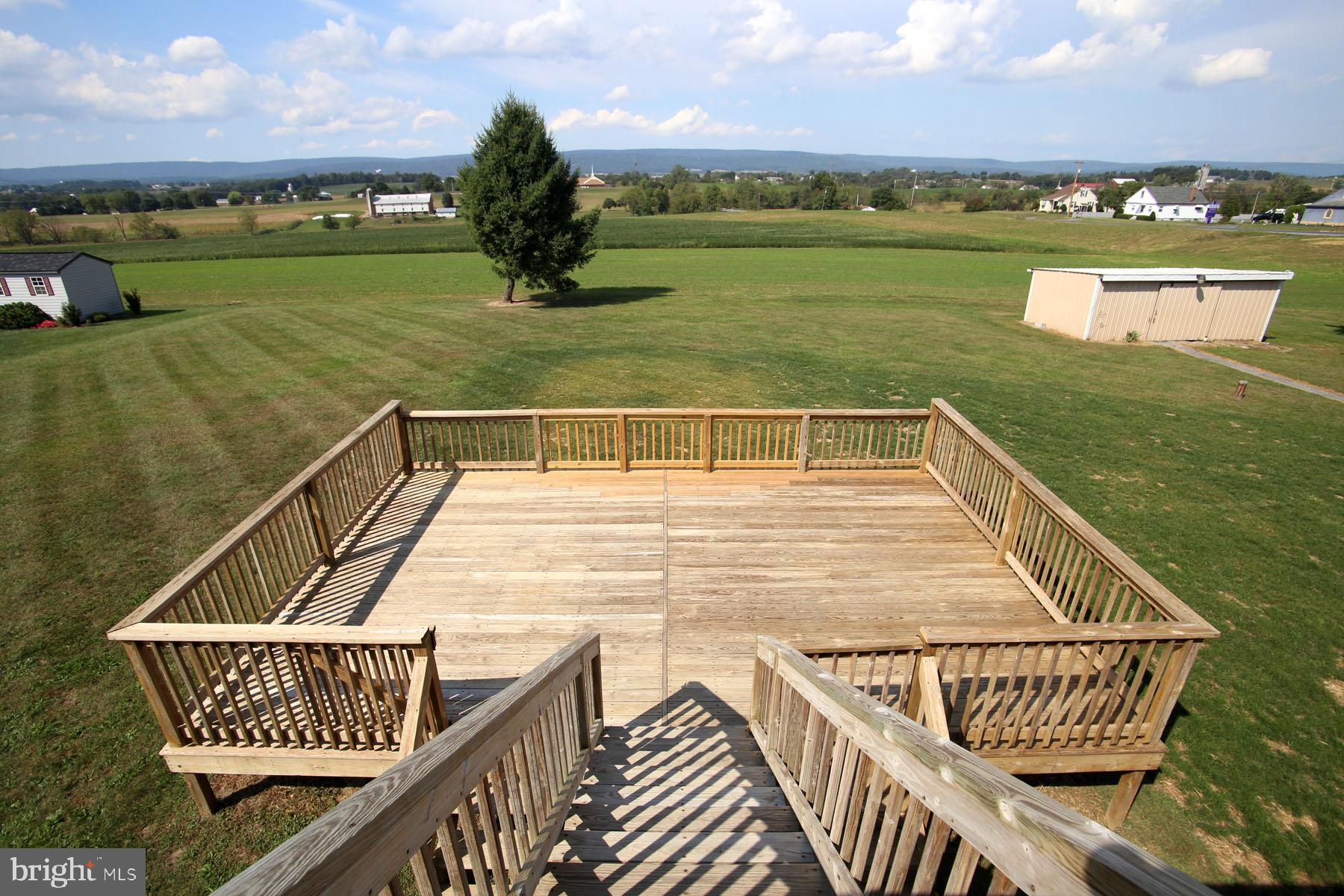 Panoramic view from top tier of the deck.