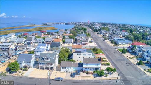 401 PELHAM AVENUE - BEACH HAVEN
