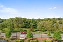 View of park from rooftop terrace - 425 KORNBLAU TER SE, LEESBURG