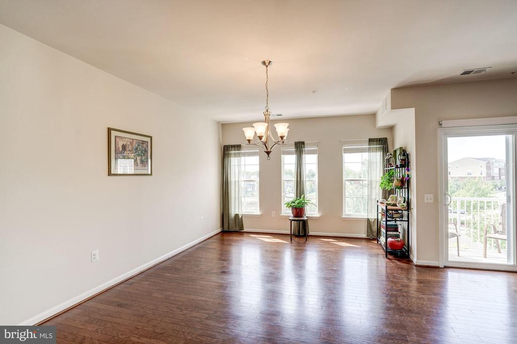 Beautiful wood floors throughout - 43526 STONECLIFF TER, CHANTILLY