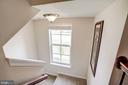 Large windows make for a bright entryway - 43526 STONECLIFF TER, CHANTILLY