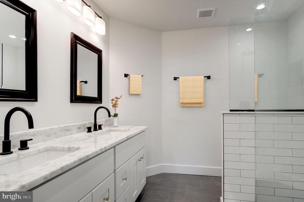 Master Bathroom - 410 K ST NE #1, WASHINGTON