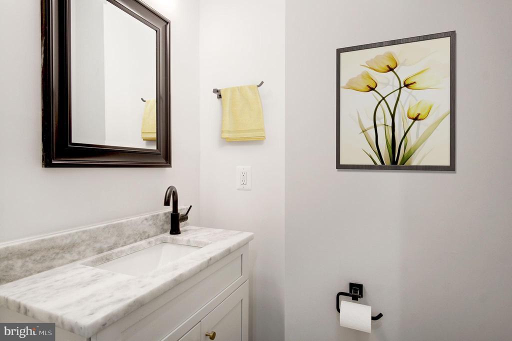 Bathroom - 410 K ST NE #1, WASHINGTON
