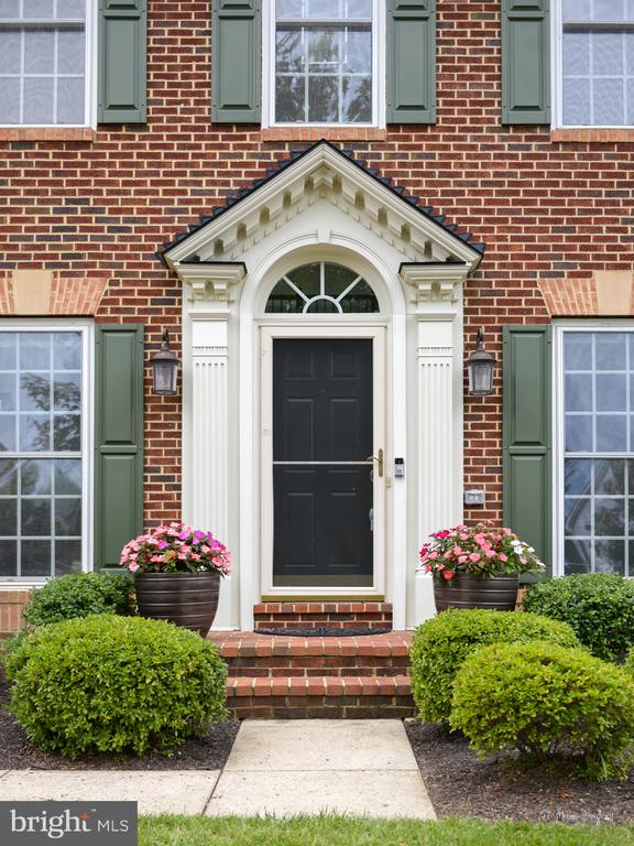 Front Door - 409 GLENBROOK DR, MIDDLETOWN