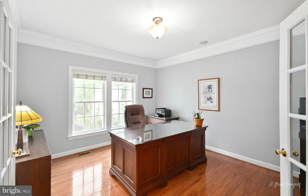 First Floor Office - 409 GLENBROOK DR, MIDDLETOWN