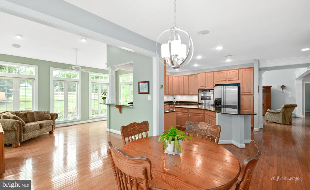 View of Kitchen and Morning Room - 409 GLENBROOK DR, MIDDLETOWN