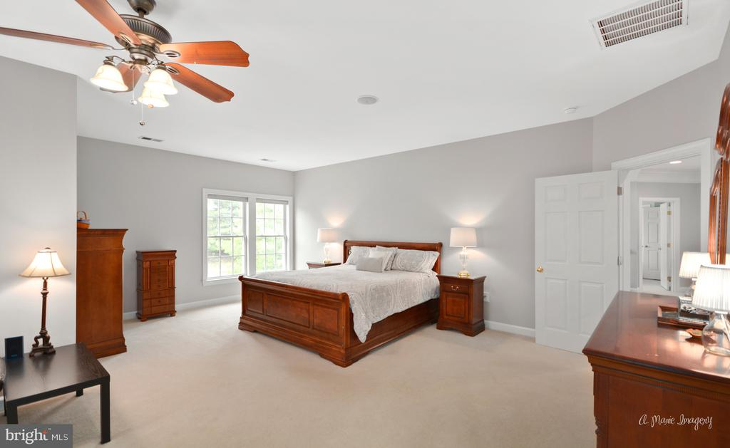 Master Bedroom - 409 GLENBROOK DR, MIDDLETOWN
