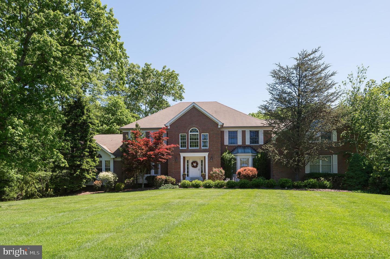 Single Family Homes pour l Vente à Millstone Township, New Jersey 08510 États-Unis