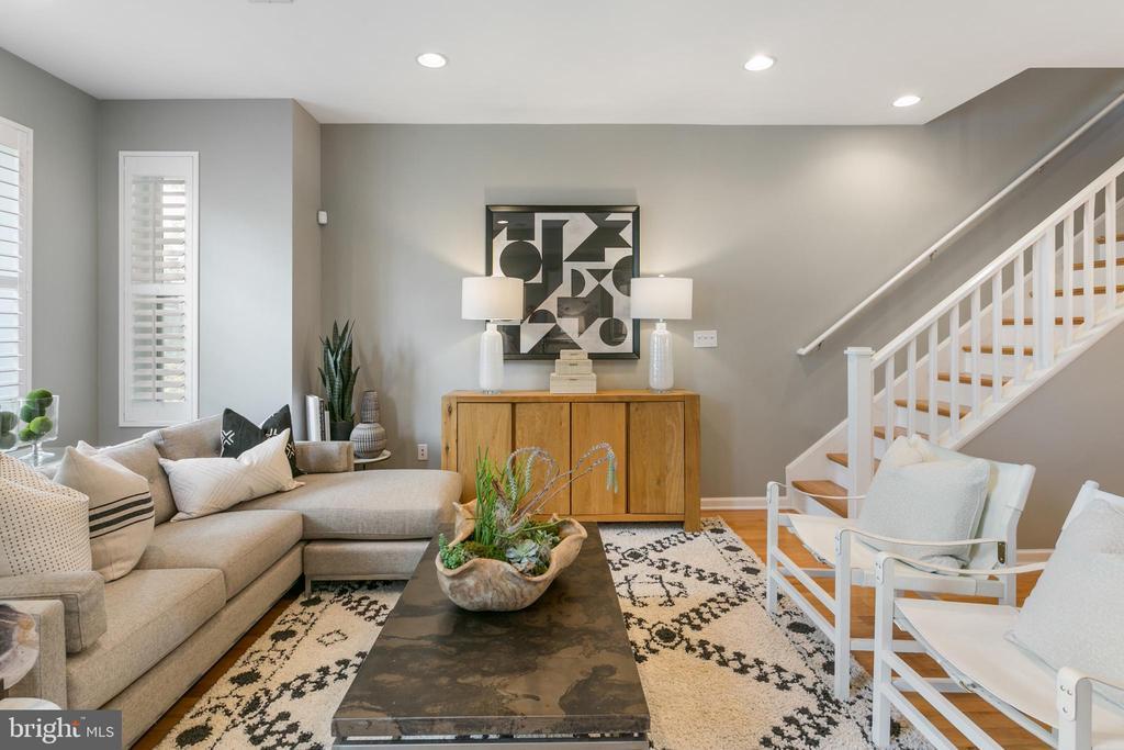 Livingroom - 2118 FLAGLER PL NW, WASHINGTON