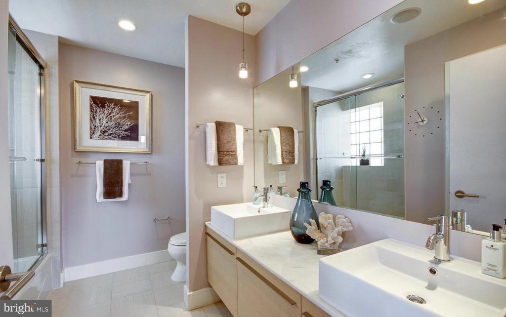 Master Bathroom - 1401 Q ST NW #305, WASHINGTON