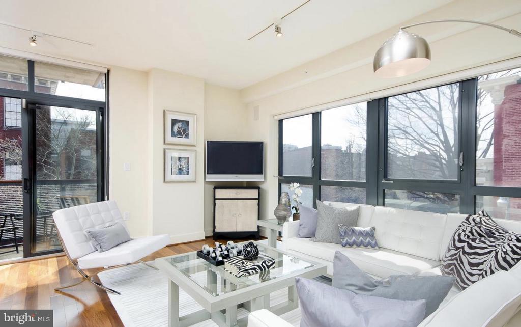 Living Room - 1401 Q ST NW #305, WASHINGTON