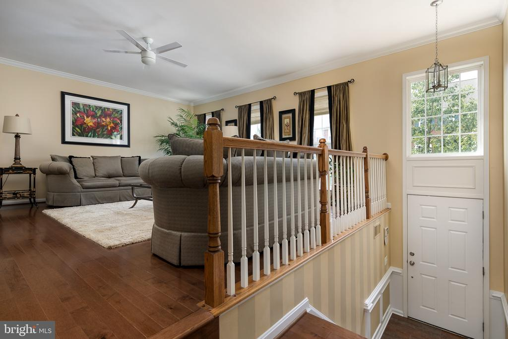 Enter into sun filled two-story foyer - 45794 MOUNTAIN PINE SQ, STERLING
