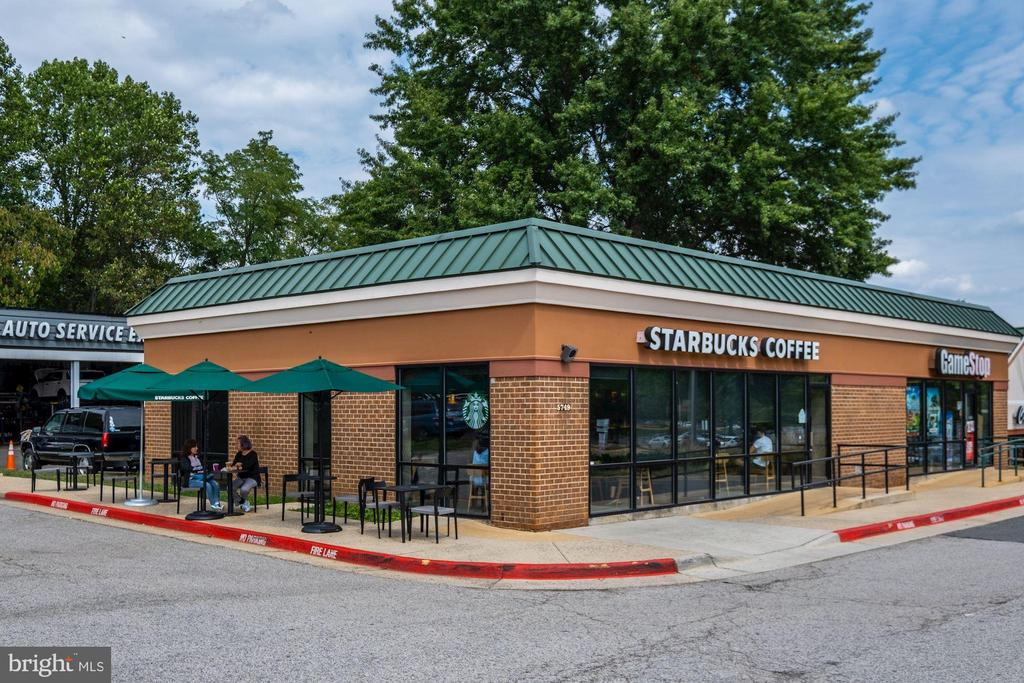 Walk to Starbucks - 11107 FAIRFAX STATION RD, FAIRFAX STATION