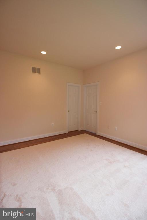 Bedroom 2 - 1056 BELLVIEW PL, MCLEAN