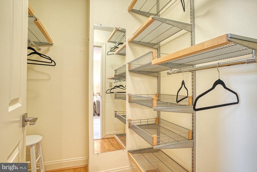 Two master closets with Elfa system - 1552 N COLONIAL TER, ARLINGTON