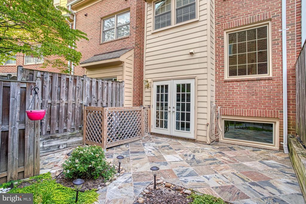 Check out the 3D TOUR! - 1552 N COLONIAL TER, ARLINGTON