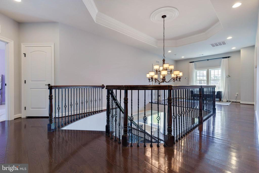 Open Upper Level Hallway - 26479 BARTON PARK CT, CHANTILLY