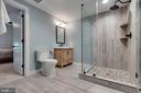 Full Bathroom off the 6th Bedroom - 26479 BARTON PARK CT, CHANTILLY