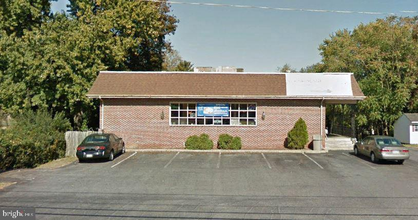 Retail for Sale at Columbia, Pennsylvania 17512 United States