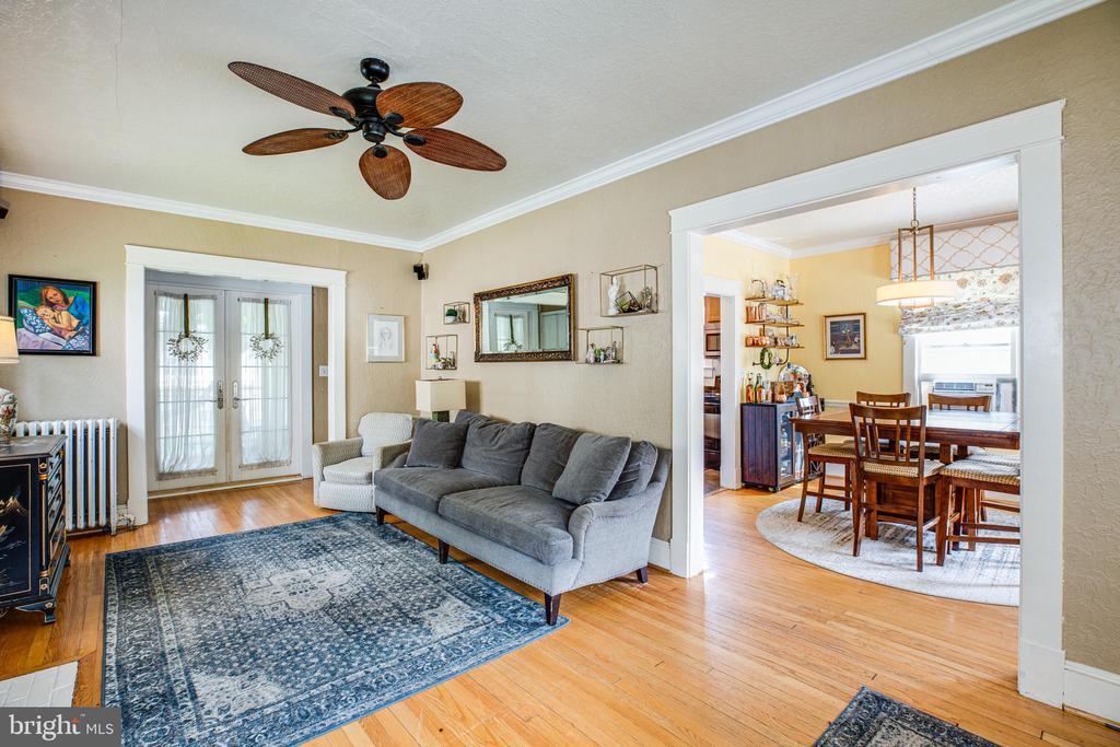 Living room - 903 BROMPTON ST, FREDERICKSBURG