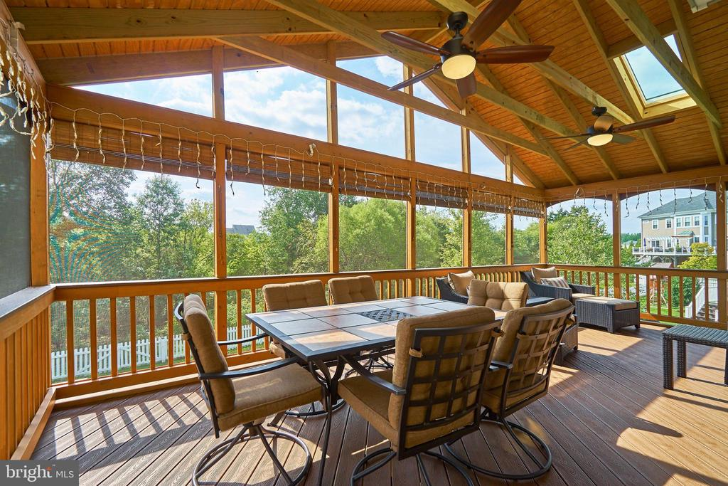 Rear porch with skylights - 10828 HENRY ABBOTT RD, BRISTOW