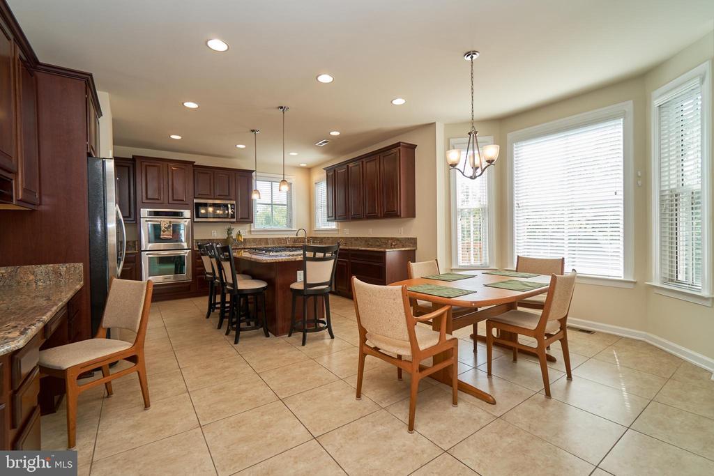Separate desk area; ceramic tile floor - 10828 HENRY ABBOTT RD, BRISTOW
