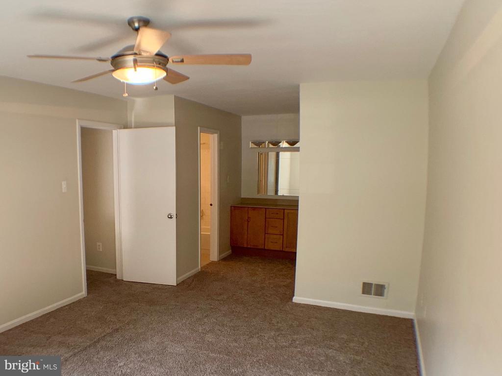 Master Bedroom - 3488 LYON PARK CT, WOODBRIDGE