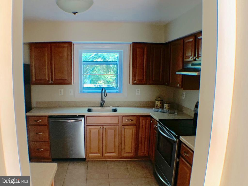 Kitchen - 3488 LYON PARK CT, WOODBRIDGE