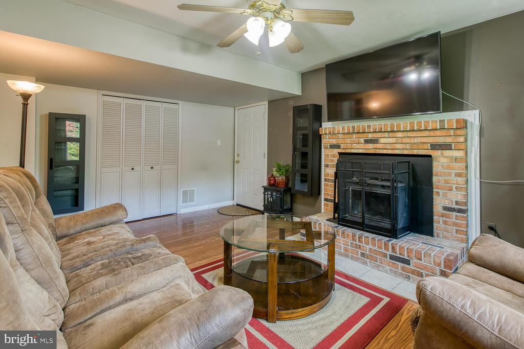 Wood burning fireplace in family rm! - 12 ROSEWOOD ST, FREDERICKSBURG