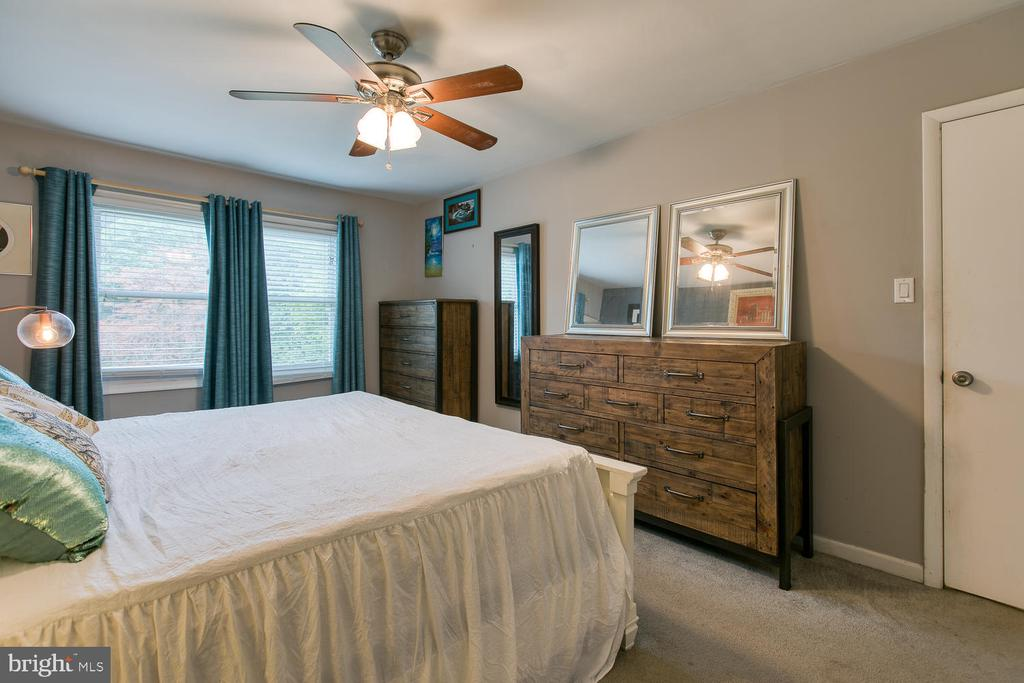 Great master bedroom space! - 12 ROSEWOOD ST, FREDERICKSBURG