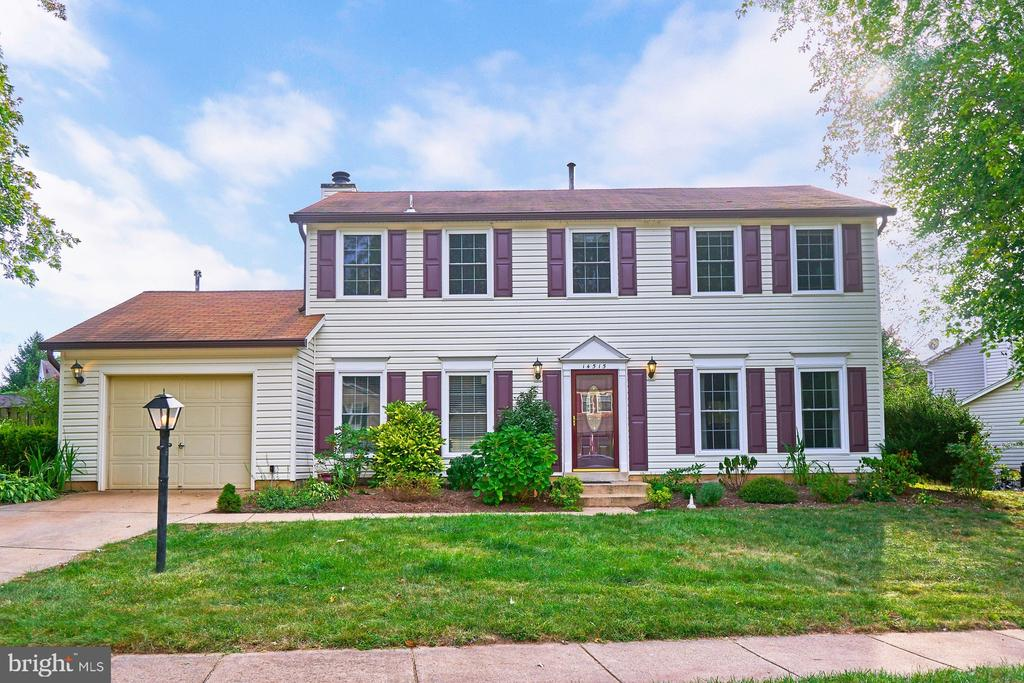 Great 4 Bedroom, 2.5 Bathroom Colonial - 14515 WILLIAM CARR LN, CENTREVILLE