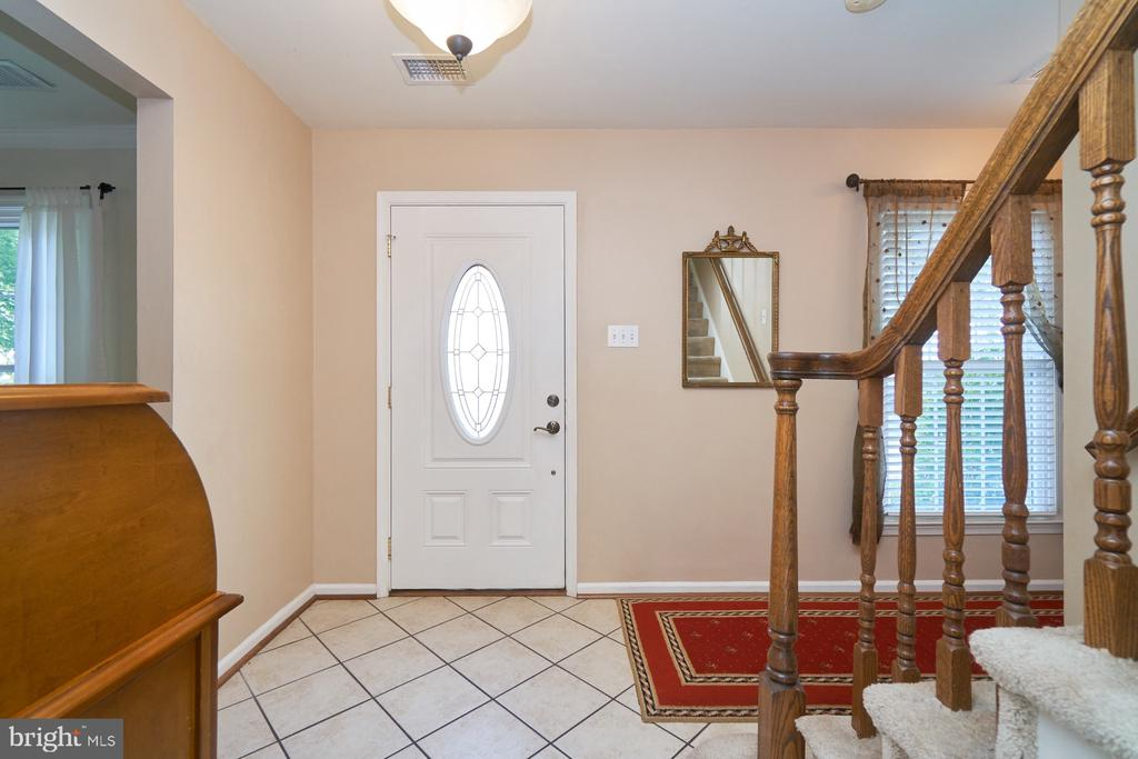 Foyer features ceramic flooring - 14515 WILLIAM CARR LN, CENTREVILLE