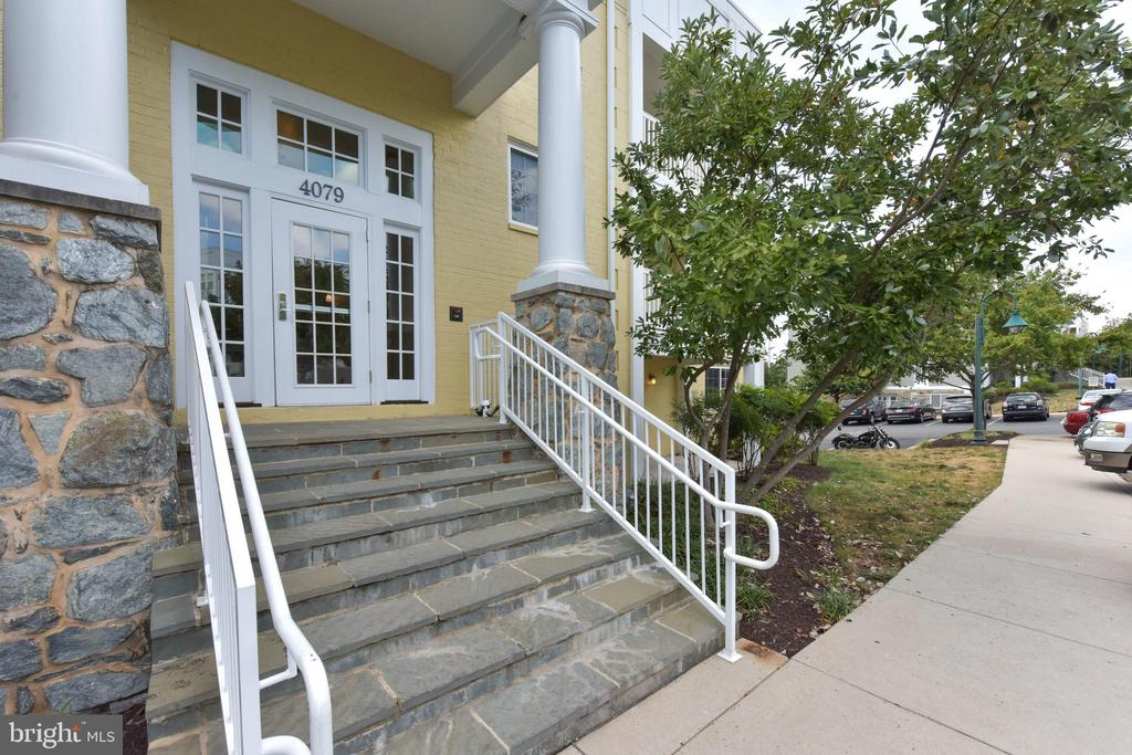 MLS VAAR153786 in WEST VILLAGE OF SHIRLINGTON