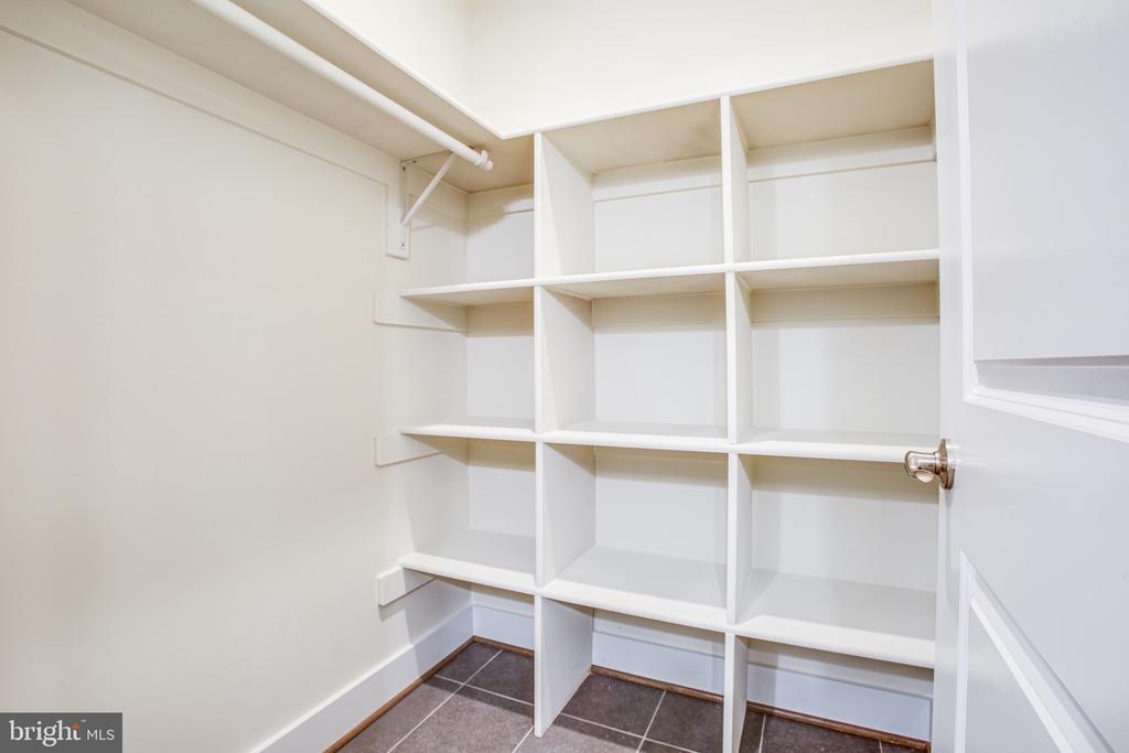 Master Bedroom Closet - 210 FAIRFAX LN, LOCUST GROVE