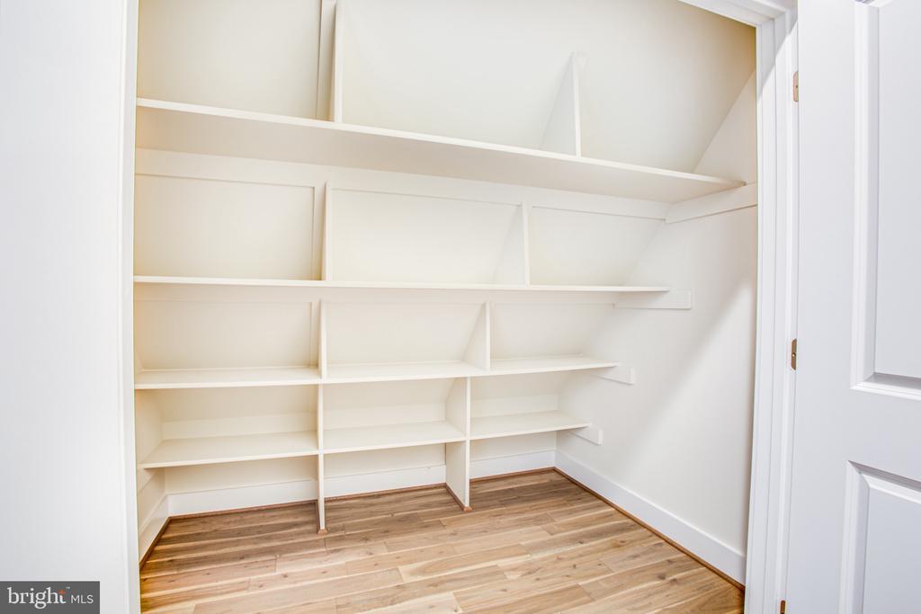 Hall Closet - 210 FAIRFAX LN, LOCUST GROVE