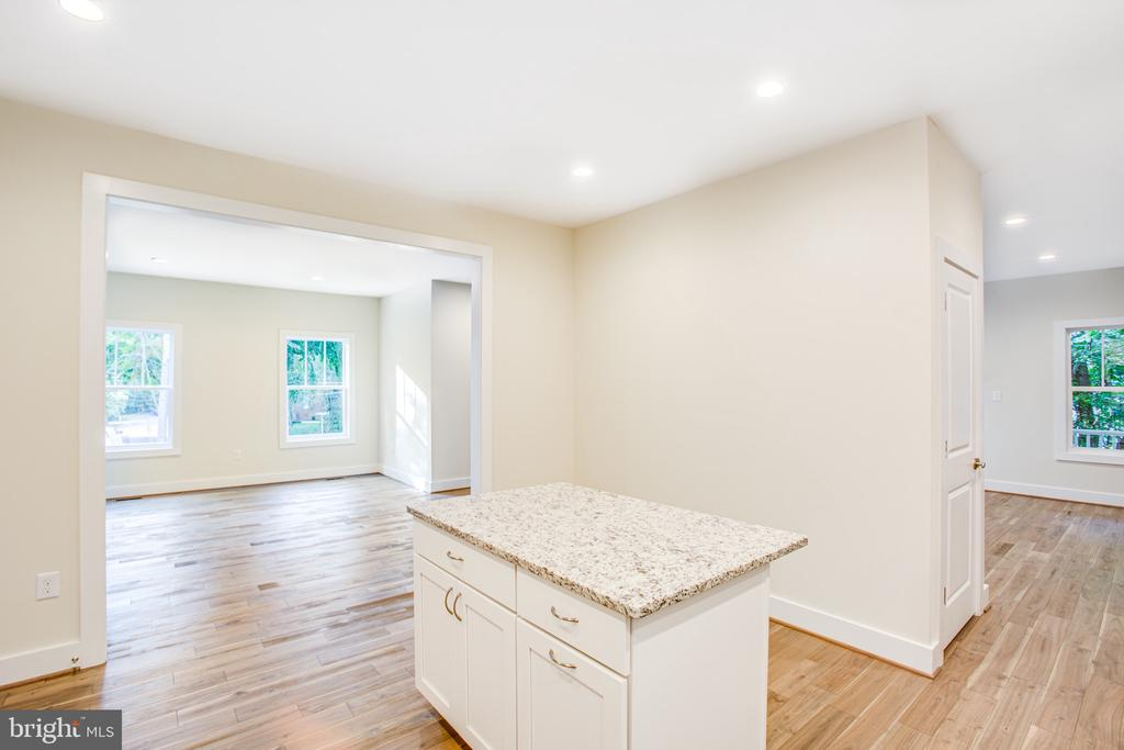 Kitchen into Dining Room with Pantry Closet - 210 FAIRFAX LN, LOCUST GROVE