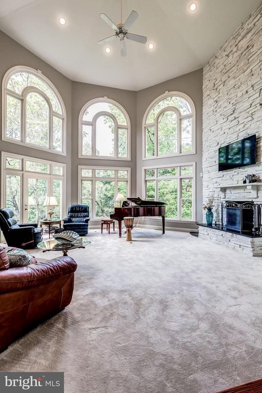 2 Story Stone Fireplace - 43546 FIRESTONE PL, LEESBURG