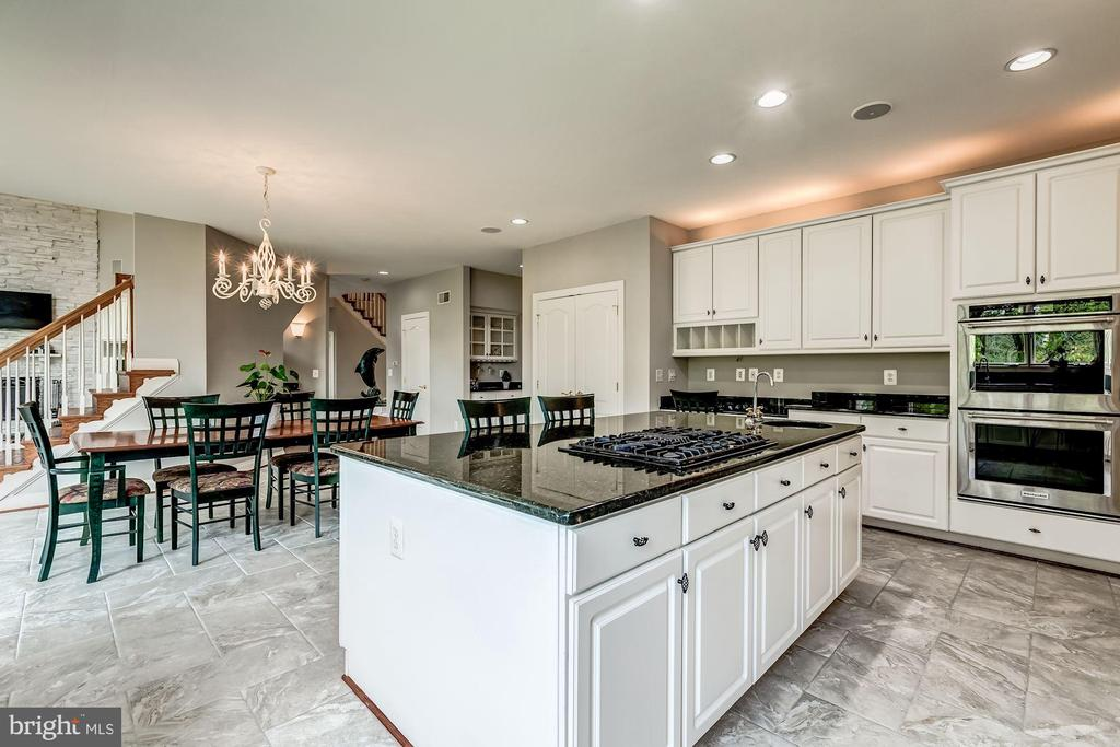 Kitchen with Large Island - 43546 FIRESTONE PL, LEESBURG