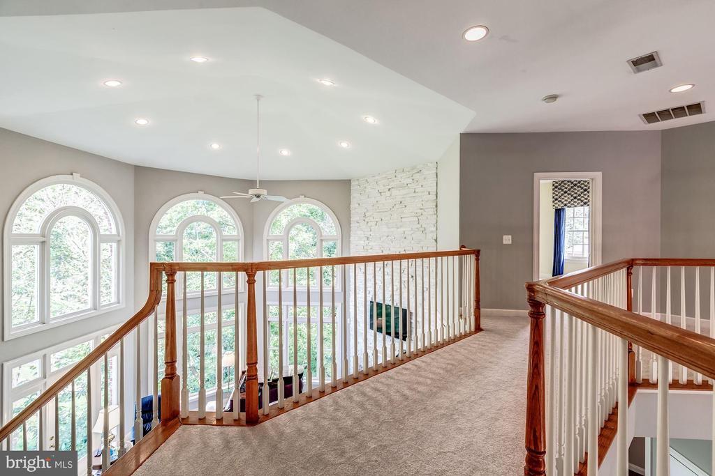 Upper Level Walkway - 43546 FIRESTONE PL, LEESBURG