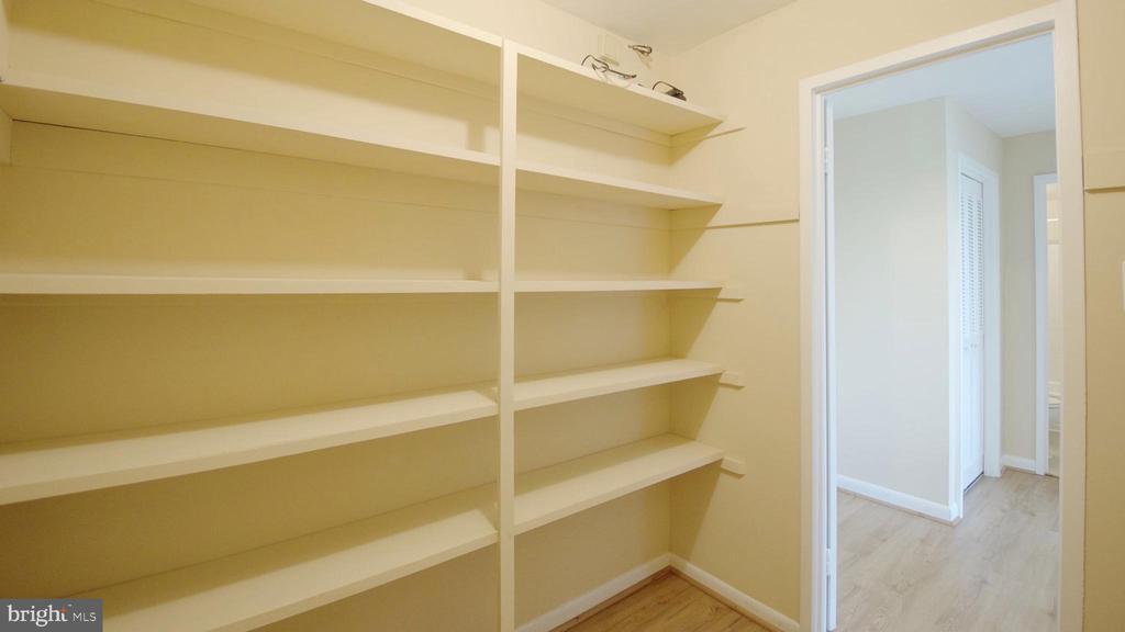 Utility Shelves - 10201 GROSVENOR PL #818, NORTH BETHESDA