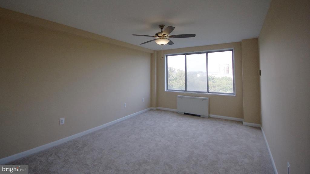 Bedroom 1 Vacant - 10201 GROSVENOR PL #818, NORTH BETHESDA