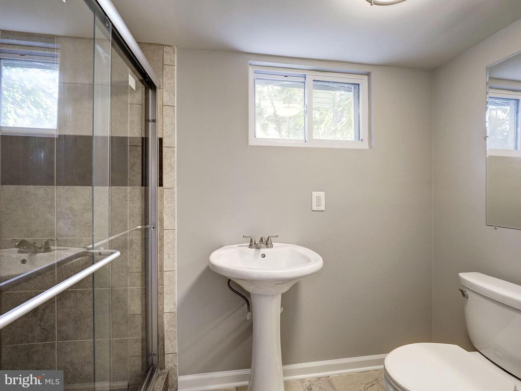 Lower Level Full Bath - 2909 OTIS ST NE, WASHINGTON