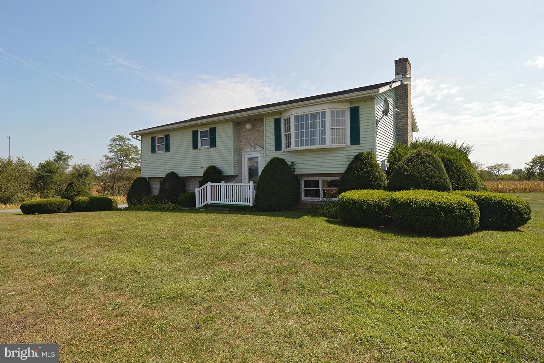 Single Family Homes for Sale at Fredericksburg, Pennsylvania 17026 United States