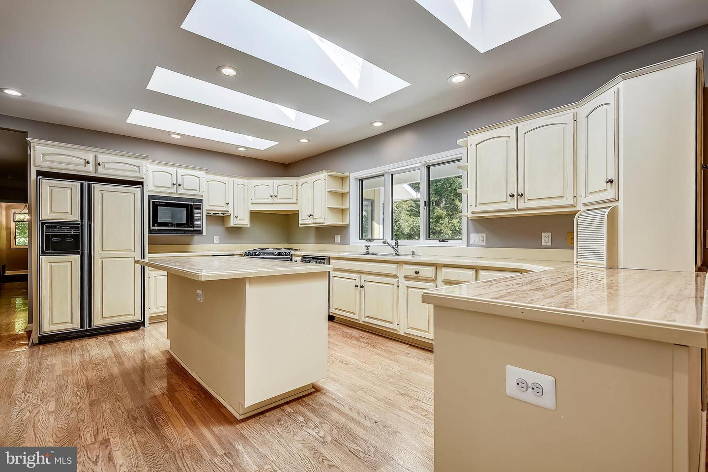 Additional photo for property listing at  Edgewater, 馬里蘭州 21037 美國