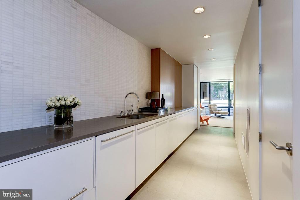 Lower Level Kitchen - 1418 33RD ST NW, WASHINGTON