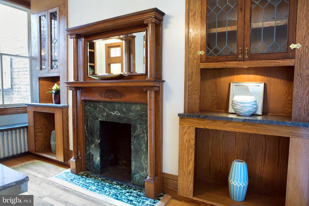 Elegant Dining Room North Wall Gas Fireplace - 140 12TH ST NE, WASHINGTON