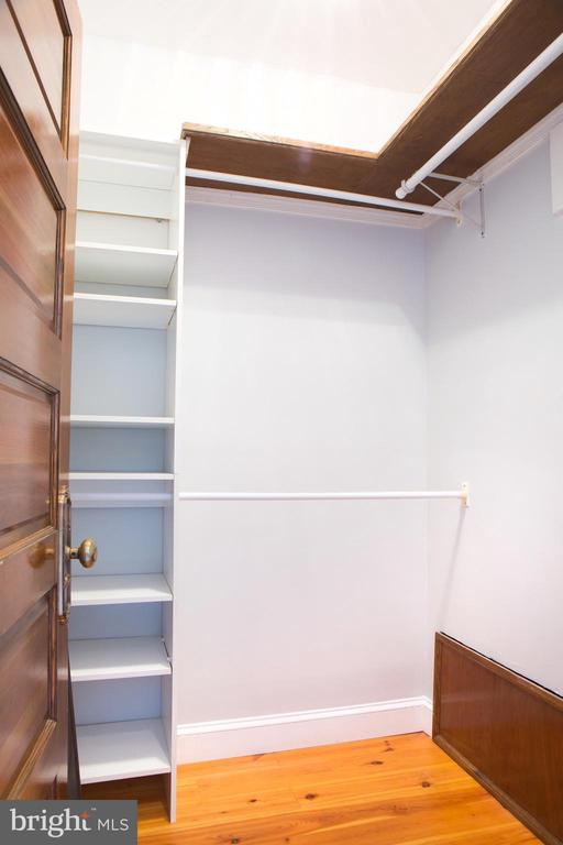 Master Suite Walk-In Closet - 140 12TH ST NE, WASHINGTON